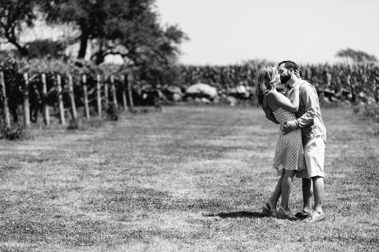 Jonathan-Edwards-Winery-couple-photos